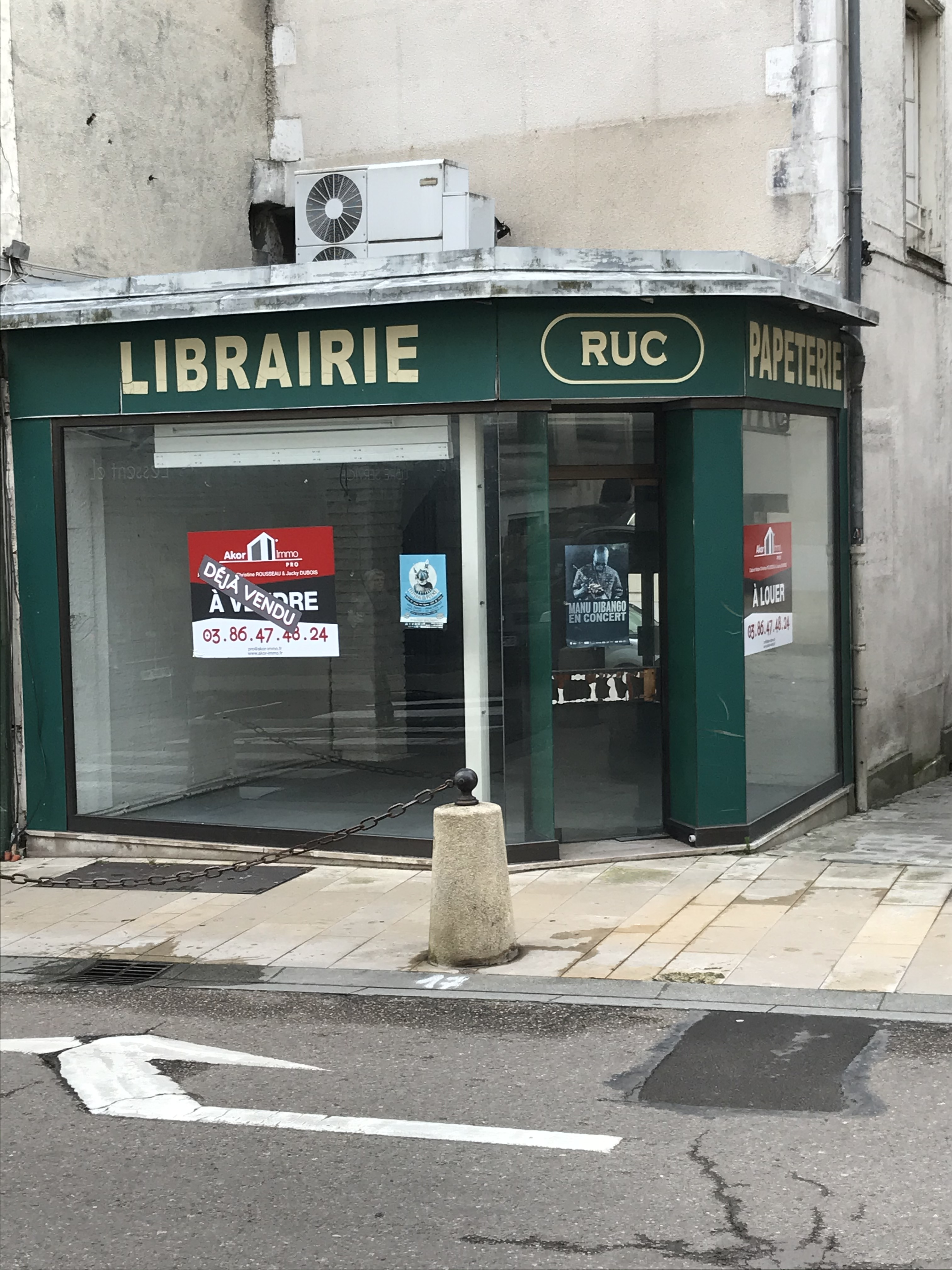 Location Immobilier Professionnel Local commercial Auxerre (89000)